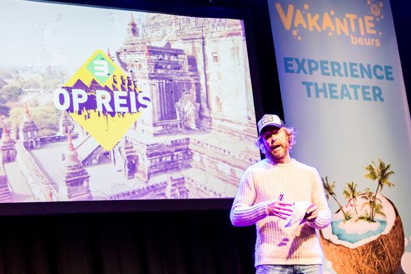 Presentatie van Chris Zeegers in Vakantiebeurs theater